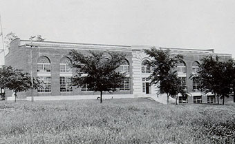 Historical Photo of the Mechanical Engineering Building